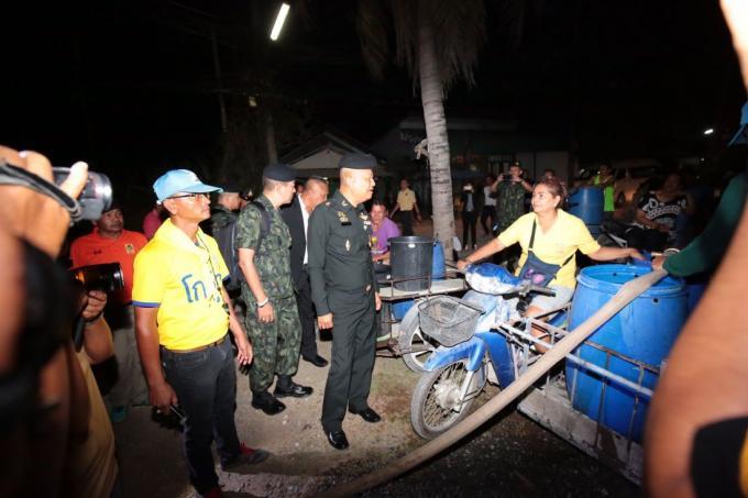 Le commandant de l'armée en visite à Phuket pour discuter de la pénurie d'eau