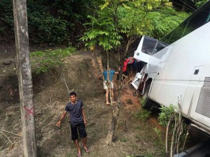 Les touristes blessés dans un accident de Patong Hill d'un voyage organisé de trois jours