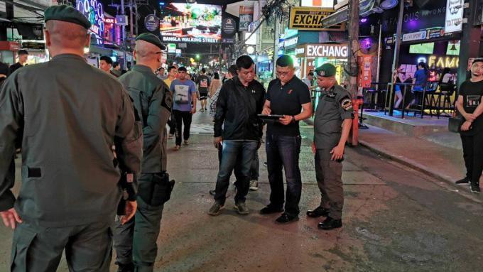 Le suspect du meurtre de Bangla Road inculpé