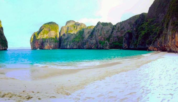 Réservations à l'avance, tours normés, nombres limités, l'avenir du tourisme à Maya Bay