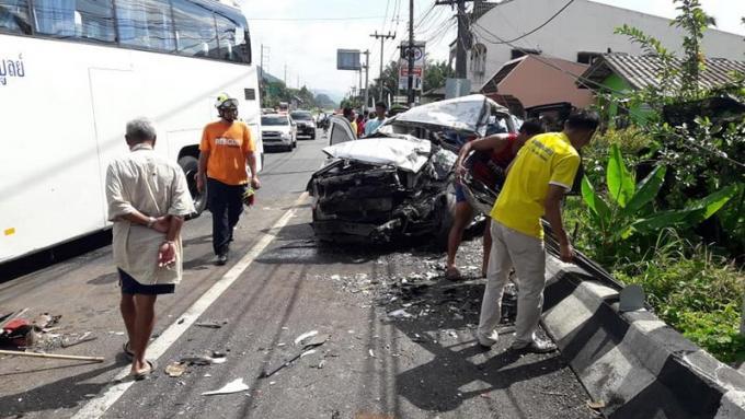 Quatre morts dans la collision entre un pickup et un car