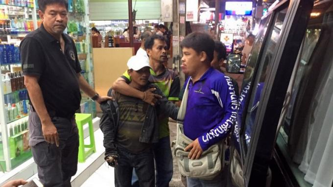 Un montreur de loris arrêté à Karon