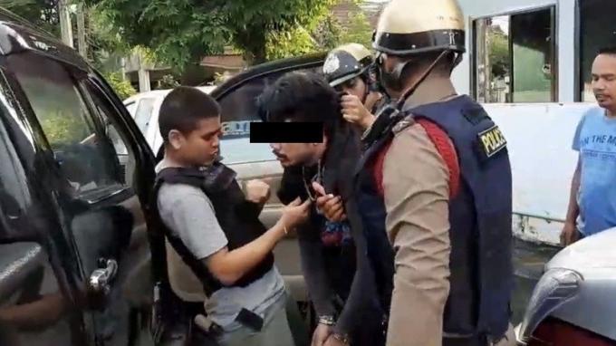 Un homme arrêté après avoir tiré sur le frère et le neveu de sa petite amie et tenté de les pr