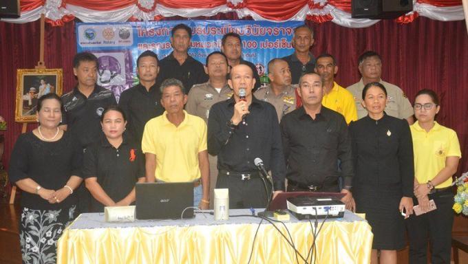 Le maire de Rawai met l'accent sur la sécurité routière : Seulement 18% des motocyclistes de Ph