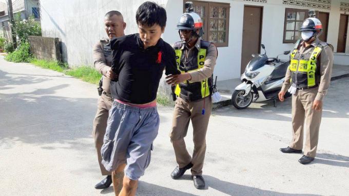 Un homme arrêté après l'agression d'une femme chez elle à Chalong