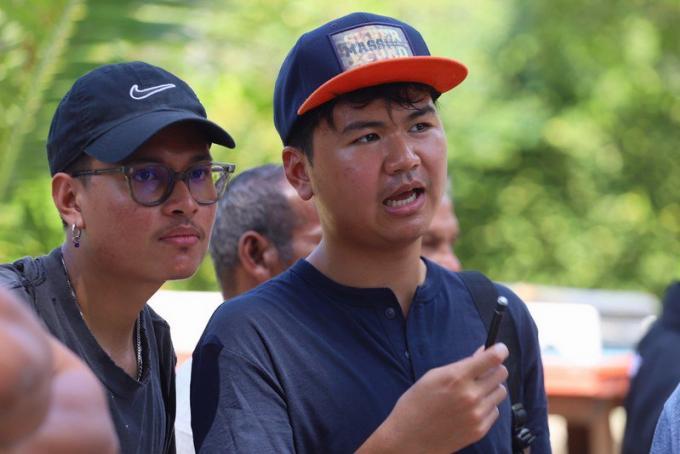 Thanathorn à Phuket pour écouter les malheurs des pêcheurs et les problèmes de l'ile