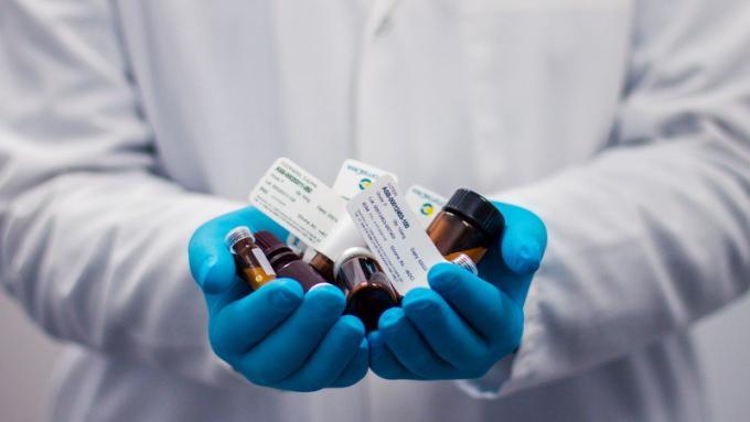 Les hôpitaux obligés de communiquer le prix des médicaments