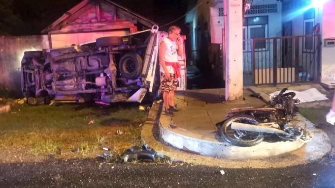 Un motocycliste meurt dans un grave accident avec un pickup à Thalang