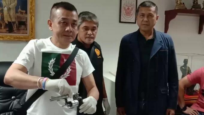 'Je n'ai tiré que pour faire cesser l'agression' déclare le chauffeur de tuk tuk