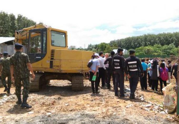 Deuxième demande d'arrêt sur la construction d'un camp de travailleur