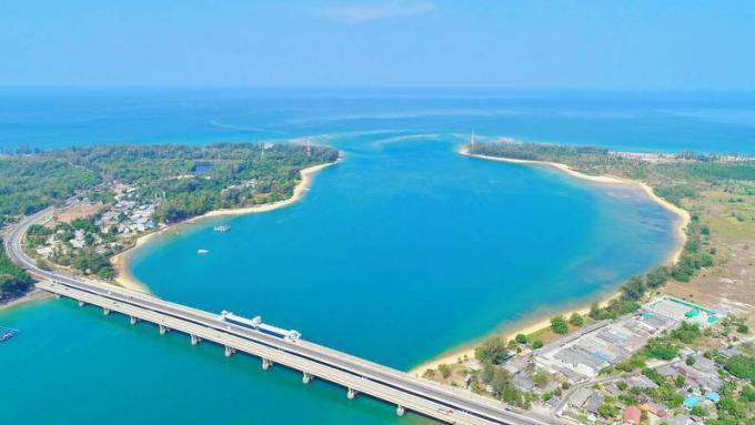 Le pont de Phuket fermé pour le triathlon de la marine