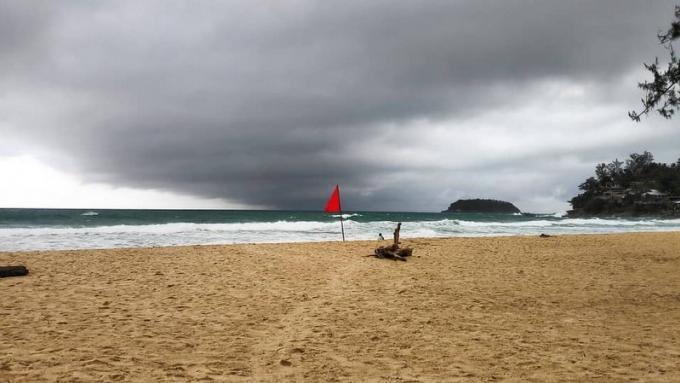 L'ISLA met en garde les baigneurs alors que les conditions météo s'intensifient