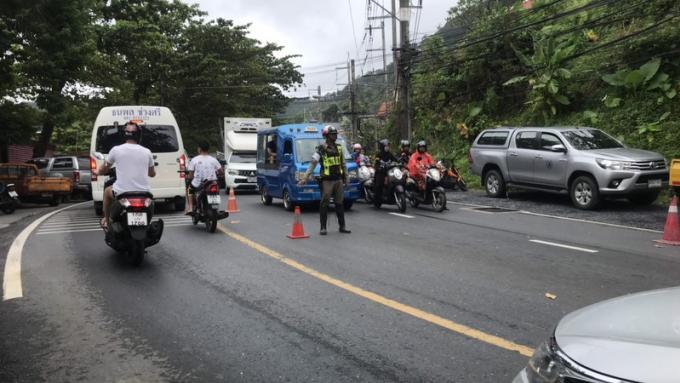 Des travaux sur des pylônes électriques à Patong provoquent d'énormes embouteillages
