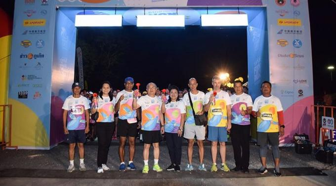 La 15ème Mai Khao Marine Turtle Fun Run a attiré plus de 4,000 coureurs