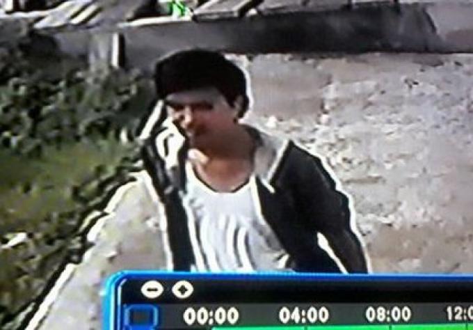 La police de Phuket recherche le voleur du temple pris sur CCTV