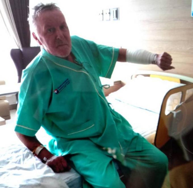 Un allemand de 72 ans blessé au couteau par des cambrioleurs