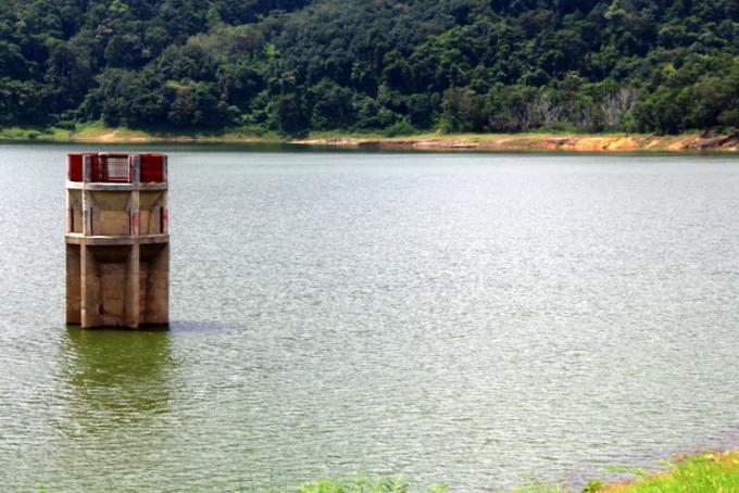 Economisez l'eau! Le débit depuis le réservoir de Bang Wad réduit de 25%