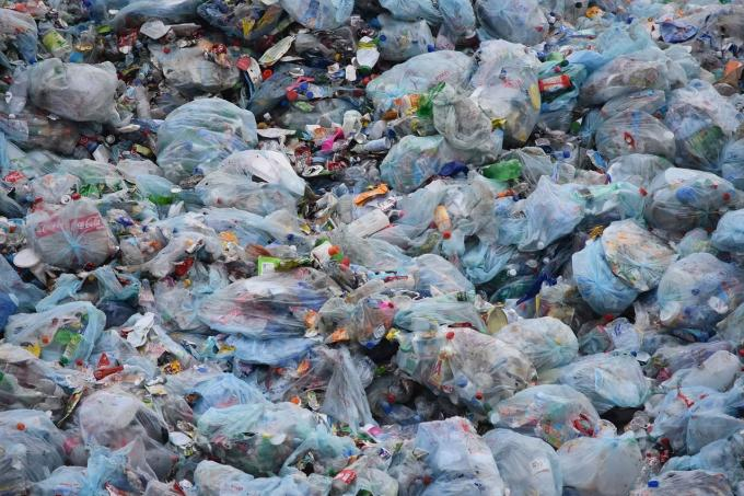 Le gouvernement confirme l'interdiction des sacs plastique à usage unique en 2020