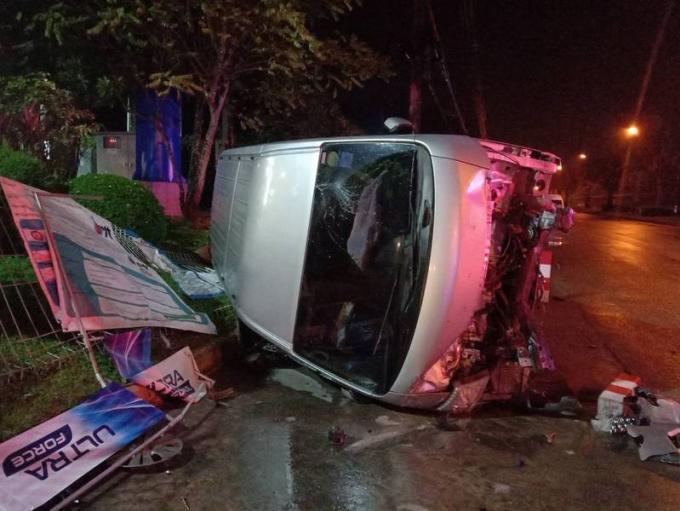 Des touristes coréens blessés dans la collision entre leur van et une voiture 'hors de contrôle
