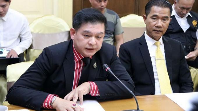 Le parlementaire Sira revient à Phuket poursuivre la saga du condo de Kata