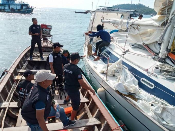 Un marin britannique à la dérive secouru au large de Koh Lipe