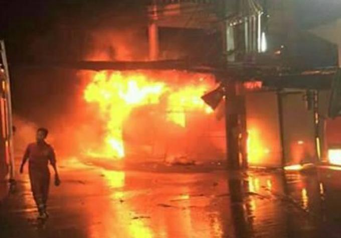 Une femme hospitalisée à la suite d'un feu dans un magasin de vêtements sur Patong