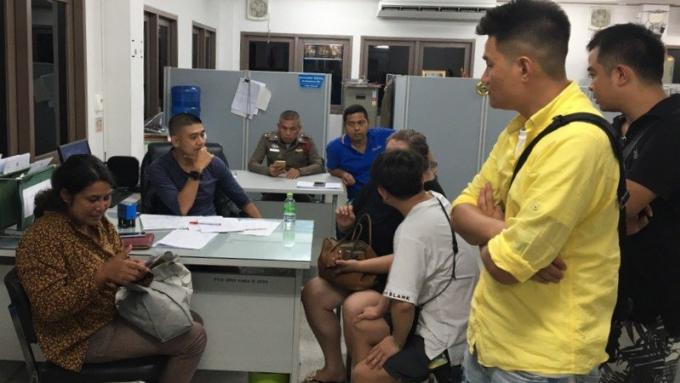 Une femme de Phuket arrêté pour le vol d'une voiture qu'elle louait à une chinoise