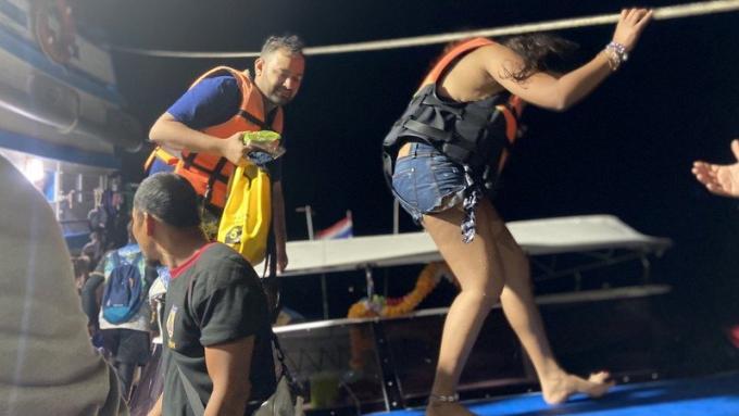Des touristes indiens chavirent en kayak et sont secourus au large de koh Phi Phi