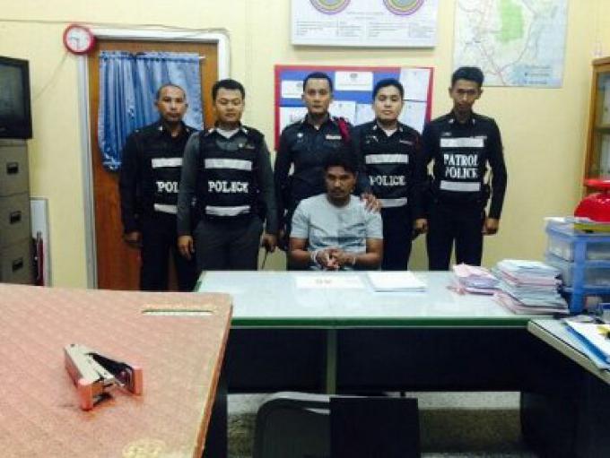 Phuket homme arrêté au checkpoint de Thalang avec 40 pilules de méthamphétamine