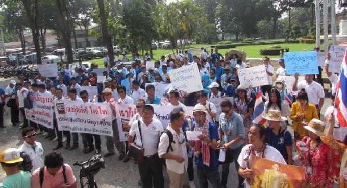 Les guides touristiques accusent la corruption pour les guides touristiques illégaux à Phuket