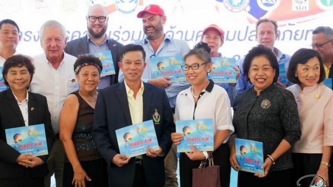Sauveteurs de Phuket et sauveteurs australiens célèbrent leur coopération
