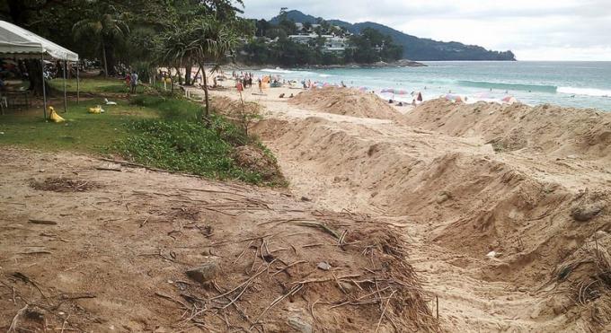 Le projet de 'mur' de Surin Beach coulé par les riverains