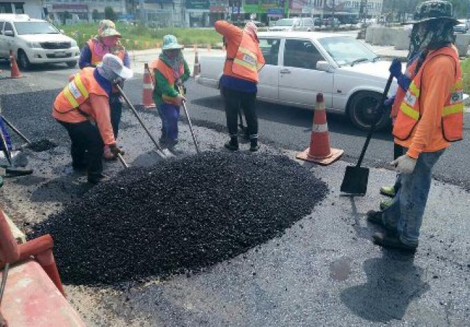 Le Dept des routes défend la route de contournement par les retards de drain