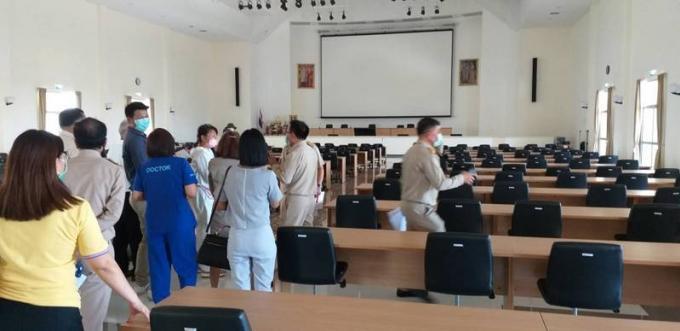 Le futur Provincial Hall transformé en hôpital de campagne