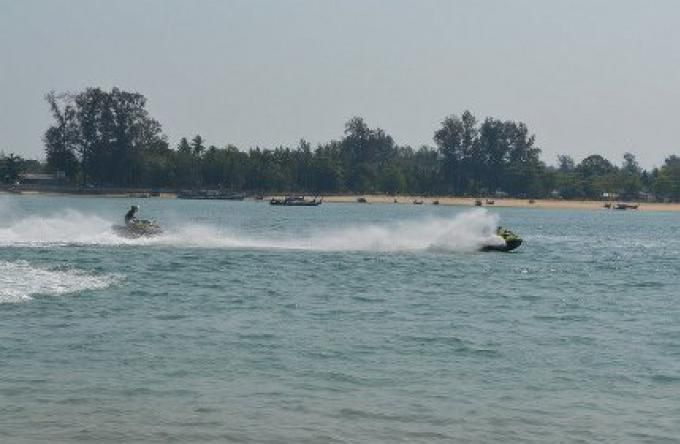 Les jet skis pour la haute saison