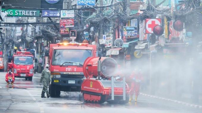 Les habitants de Patong incités à se mettre en quarantaine, début des contrôles au porte à port