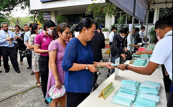 Le gouverneur de Phuket rend obligatoire le port du masque
