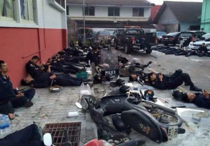 Prayut appelle au calme après les émeutes de rue à Phuket