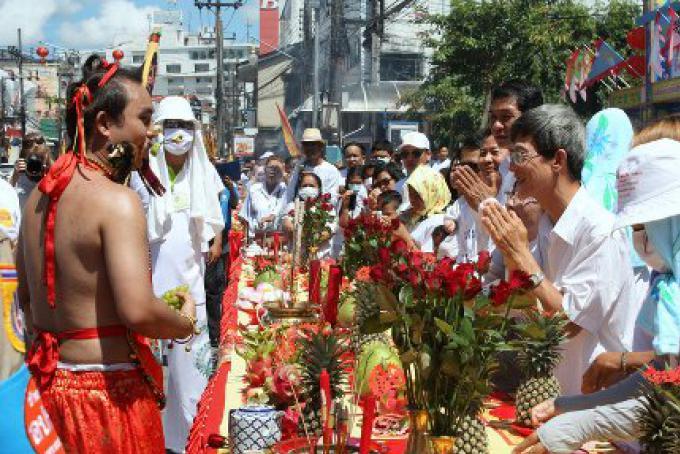 L'émeute n'a pas d'impact sur le tourisme à Phuket, le Festival Végétarien generera un coup de p