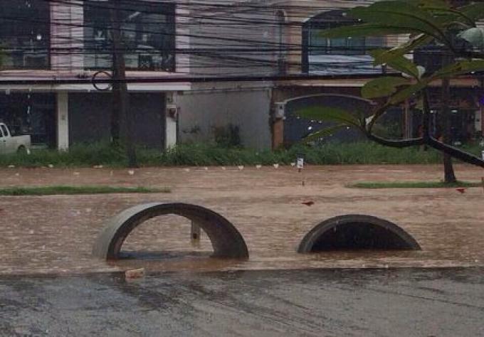 Déluge à Phuket town et Patong à midi