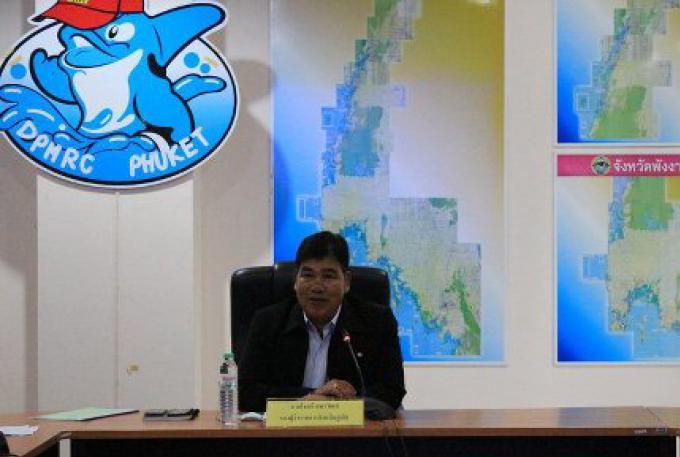 Les chefs religieux pour conseiller dans la gestion de la plage de Phuket