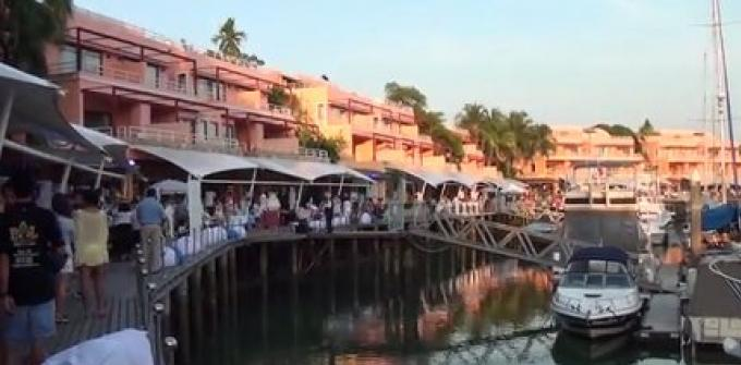 Le 21/02/15: Le marché Phare revient à Phuket Boat Lagoon ce week-end